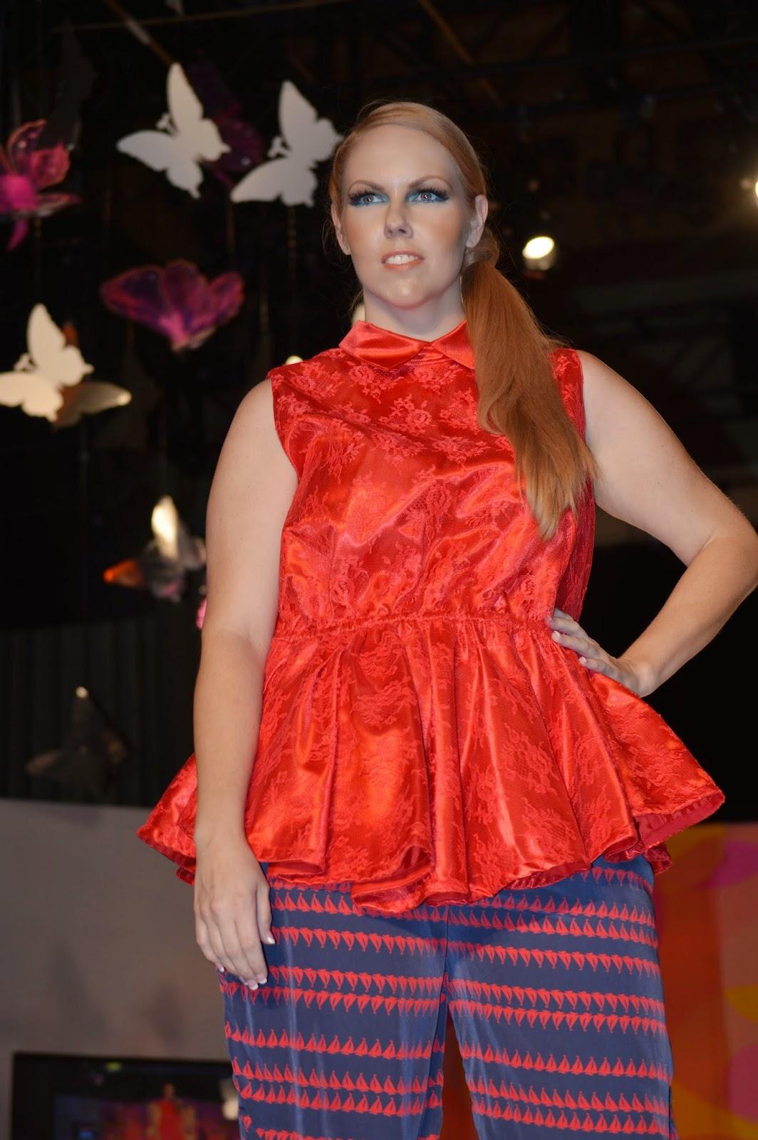 Red Lace Sleeveless Peplum Blouse