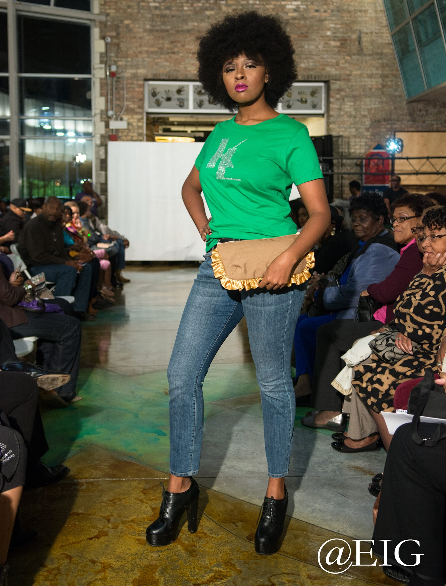 Green Signature T-shirt with Golden Ruffled Clutch